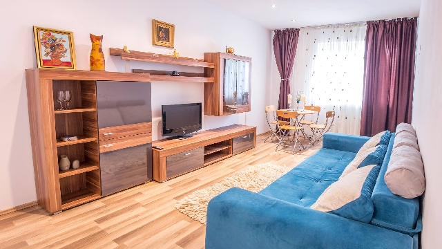 Proprietar inchiriez apartament 2 camere in Rin Grand Residence