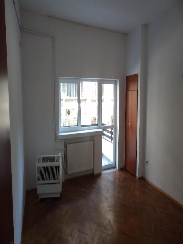 INCHIRIERE apartament cu 2 camere CALEA VICTORIEI