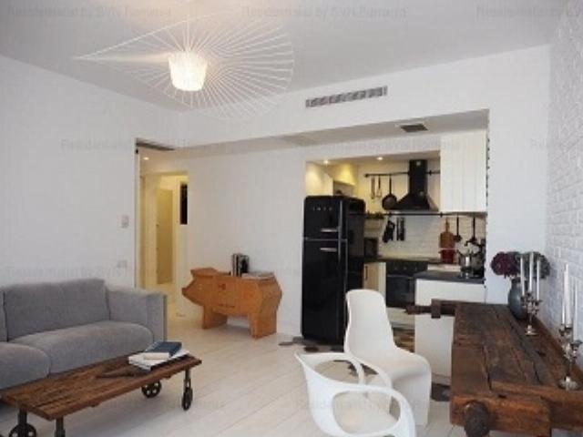 Vanzare apartament bloc nou zona Universitate