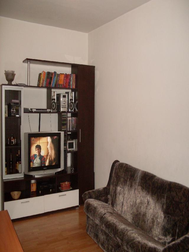 Vanzari apartamente 3 camere in zona RAHOVA (Margeanului)